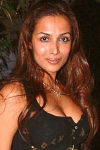 mondaL.mw.Lt :: Wallpaper :: Bollywood Actress:: Isha Koppikar